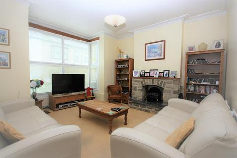 4 bedroom terraced house for sale - Stroll to the Beach!
