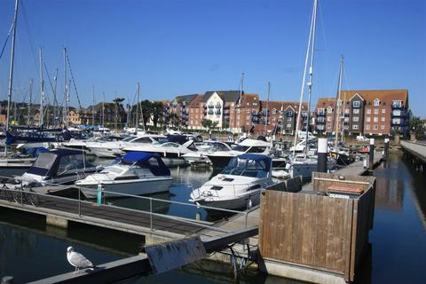 2 bedroom apartment for sale - Stunning Harbour Views, Moments From Town