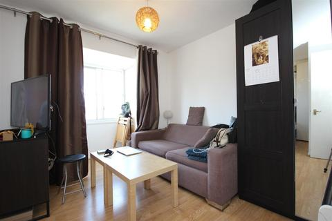 Studio to rent - Curtis Drive, North Acton, W3 6YL