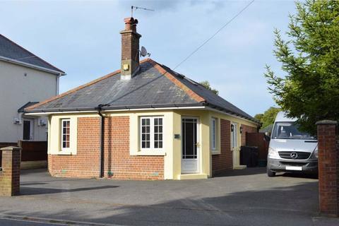 4 bedroom chalet for sale - Victoria Road, Wimborne, Dorset