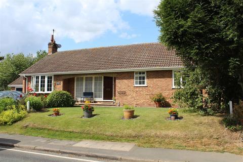 2 bedroom bungalow for sale - Etton Road, Cherry Burton, Beverley
