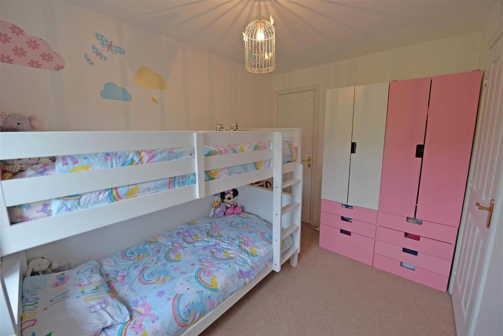 Bed222.jpg