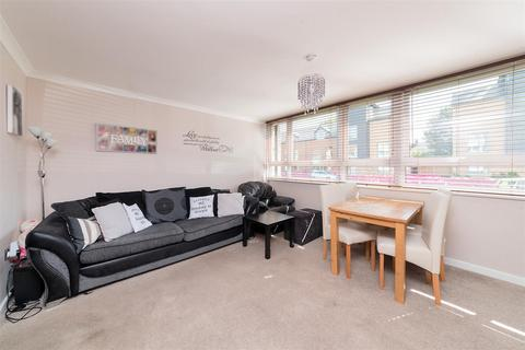 3 bedroom flat for sale - Parsonage Lane, Enfield