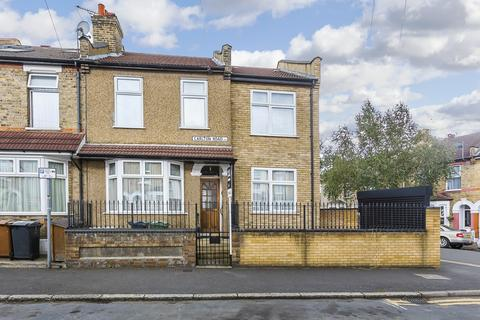 3 bedroom house for sale - Carlton Road, Bushwood Area, E11
