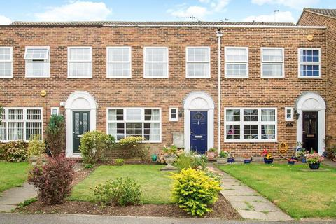 3 bedroom terraced house for sale - Shaftesbury Crescent, Laleham, TW18
