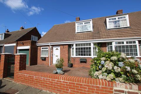 3 bedroom bungalow for sale - Laburnum Avenue, Gateshead, Tyne and Wear, NE10 8HH