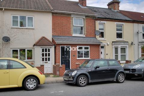 3 bedroom terraced house for sale - Pownall Crescent, Colchester