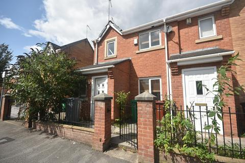 3 bedroom end of terrace house to rent - Dunham Street, Hulme, Manchester, M15 5FX.