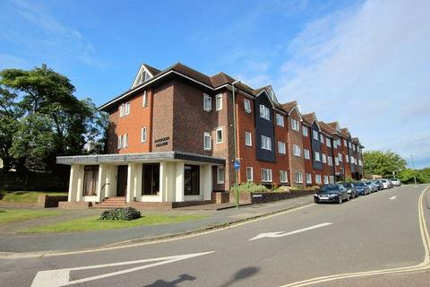 2 bedroom apartment for sale - Harlands Road, Haywards Heath