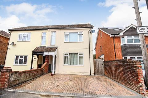 3 bedroom semi-detached house for sale - Leighton Road, Southampton