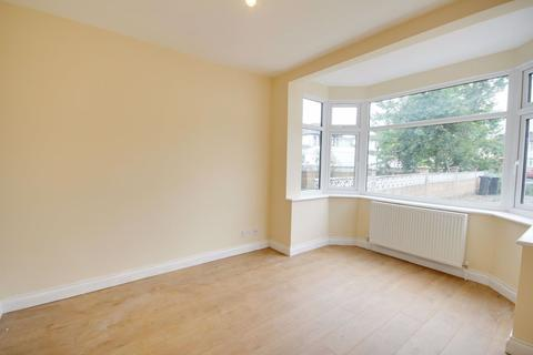 3 bedroom house to rent - Pembroke Avenue, Enfield