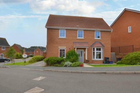 4 bedroom detached house for sale - Bromley Close, Silverdale, Newcastle