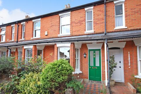 2 bedroom terraced house to rent - Wykeham Road, Farnham, GU9