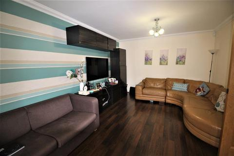 4 bedroom house to rent - Courtlands Drive, Watford