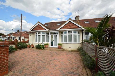 4 bedroom semi-detached bungalow for sale - Roding Lane South, Redbridge, Essex, IG4