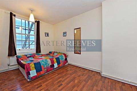 4 bedroom flat to rent - Herbrand Street, London