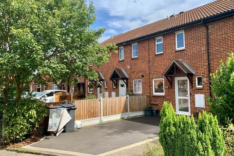 2 bedroom terraced house for sale - Darnay Rise, Chelmsford, CM1
