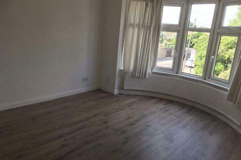 3 bedroom flat to rent - Southbury Road, Enfield EN1