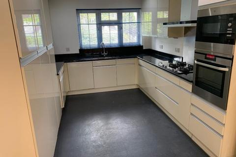 3 bedroom apartment to rent - Park Street, Camberley, Surrey, GU15 2JB