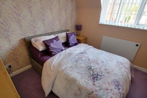 2 bedroom flat for sale - Stanley Rise, Chelmsford