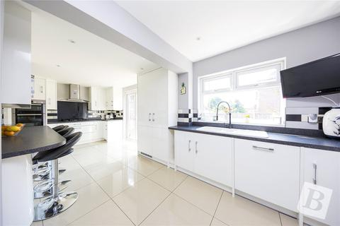 5 bedroom semi-detached house for sale - Kingfisher Road, Upminster, RM14