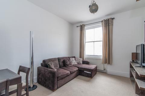 2 bedroom flat to rent - Clanricarde Gardens, London W2