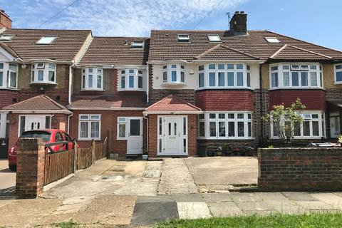 6 bedroom semi-detached house for sale - Burns Way, Hounslow