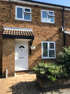3 bedroom terraced house to rent - Hainault Street, London