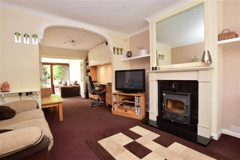 3 bedroom semi-detached house for sale - Birch Way, Tunbridge Wells, Kent