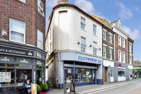 1 bedroom flat - High Street, Sheerness, Kent