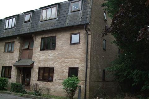 Studio to rent - Wingrove Court, Broomfield Road, Chelmsford CM1