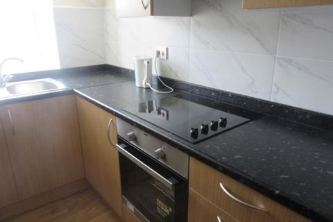 1 bedroom terraced house to rent - Room 6, Walter Road, Swansea. SA1 5QE