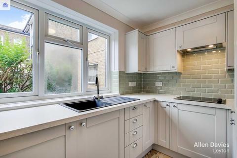 2 bedroom apartment for sale - Flat 3 Dennis Court Hainault Road, Leytonstone E11