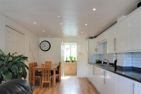 3 bedroom semi-detached house to rent - York Road, ME15