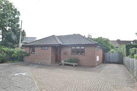 2 bedroom detached bungalow for sale - Headcorn