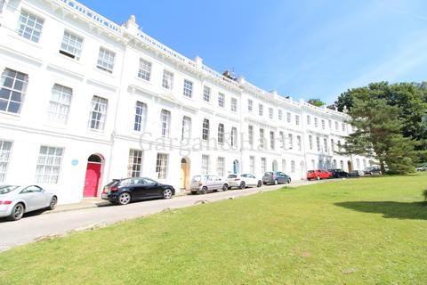 2 bedroom apartment to rent - Lisburne Crescent, Higher Woodfield Road, Torquay