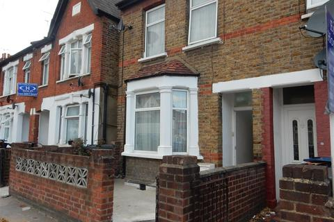 3 bedroom end of terrace house for sale - Sussex Road, Southall