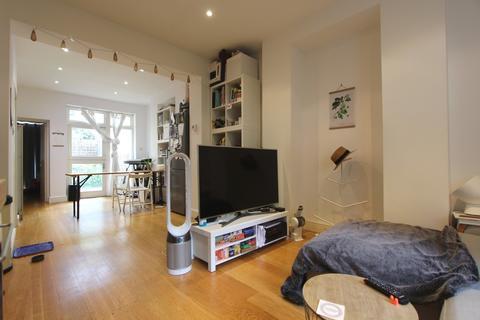 1 bedroom apartment to rent - Albert Street, Regents Park, NW1