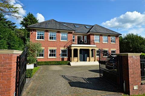 8 bedroom detached house to rent - Barry Rise, Bowdon, Altrincham, Greater Manchester, WA14