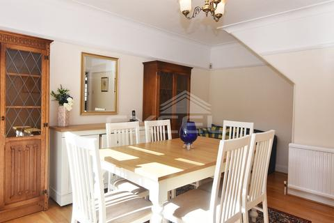 3 bedroom semi-detached house to rent - Great Bushey Drive, Totteridge, London, N20 8QN