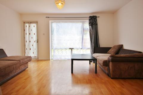 5 bedroom end of terrace house to rent - Trent Gardens, Southgate, N14