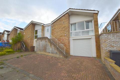 3 bedroom detached house for sale - Devon Road, St Annes, Luton, Bedfordshire, LU2 0RJ