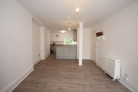 3 bedroom maisonette to rent - Fore Street