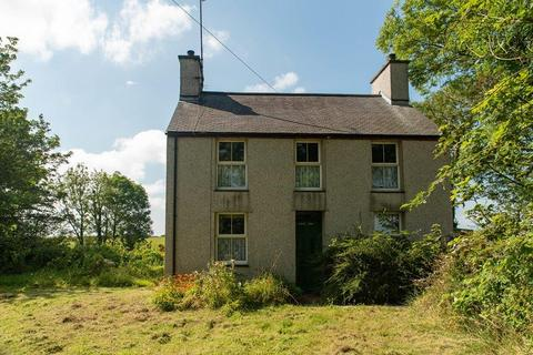 4 bedroom detached house for sale - Llanddeusant, Holyhead