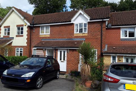 2 bedroom terraced house for sale - Childs Avenue, Harefield, Uxbridge