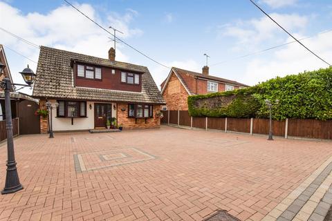 3 bedroom detached house for sale - Franklin Road, North Fambridge.