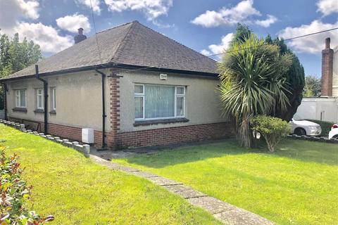 2 bedroom detached bungalow for sale - Penllwynrhodyn Road, Llanelli
