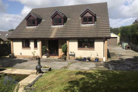 4 bedroom detached bungalow for sale - Johnstown, Carmarthen