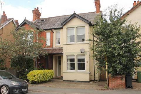 3 bedroom semi-detached house to rent - Gordon Avenue, Camberley, GU15