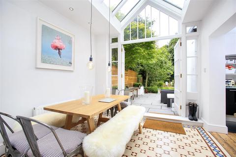 2 bedroom flat for sale - Bath Road, Bedford Park, W4